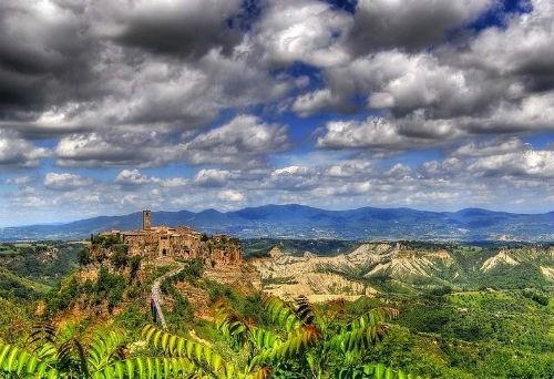 Nét lãng mạn cổ kính của Civita di Bagnoregio, thị trấn xinh đẹp trên đỉnh đồi Italia - anh 2