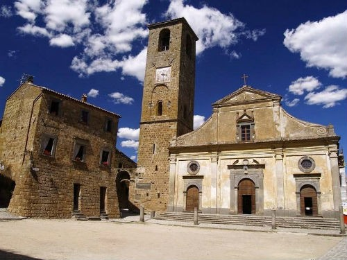 Nét lãng mạn cổ kính của Civita di Bagnoregio, thị trấn xinh đẹp trên đỉnh đồi Italia - anh 3