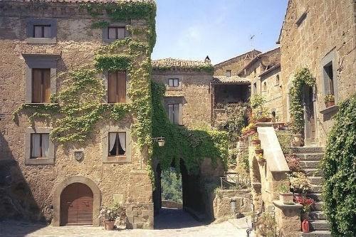 Nét lãng mạn cổ kính của Civita di Bagnoregio, thị trấn xinh đẹp trên đỉnh đồi Italia - anh 5