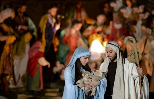 Đón Giáng sinh tại Vatican với những tục lệ truyền thống, ấm áp nhất năm - anh 2