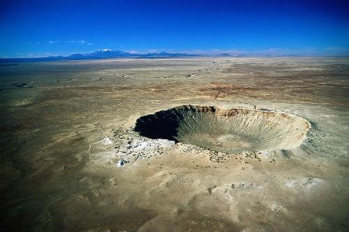 10 hố thiên thạch 'đại khổng lồ' trên Trái đất - anh 1