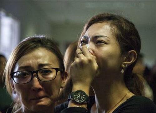 Chùm ảnh: Toàn cảnh vụ máy bay AirAsia QZ8501 mất tích - anh 2