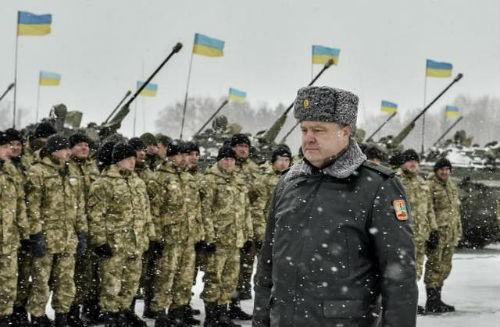 Ukraine chuẩn bị vũ khí chiến tranh bất chấp các nỗ lực đàm phán hòa bình - anh 2