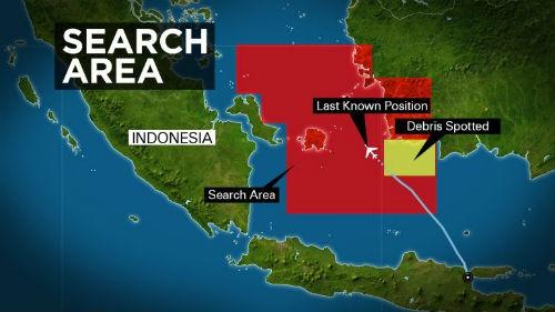 Tin mới nhất về vụ máy bay AirAsia QZ8501 rơi: Đã tìm thấy đuôi máy bay và tổng 41 thi thể - anh 2