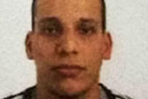 Tin mới nhất về Vụ xả súng tại Pháp: 1 kẻ tấn công đã ra đầu thú - anh 4
