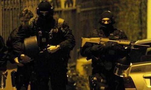 Pháp để quốc tang 12 nạn nhân; Cảnh sát ráo riết truy lùng 3 kẻ tấn công có chủ đích - anh 3