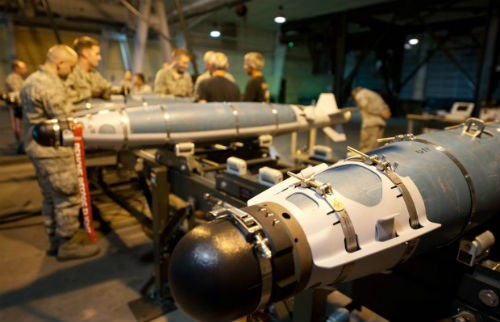 Mỹ đập tan chiến thuật mới của IS bằng loạt bom thông minh nhiều chưa từng thấy - anh 3