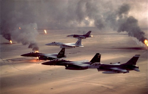 Mỹ đập tan chiến thuật mới của IS bằng loạt bom thông minh nhiều chưa từng thấy - anh 1