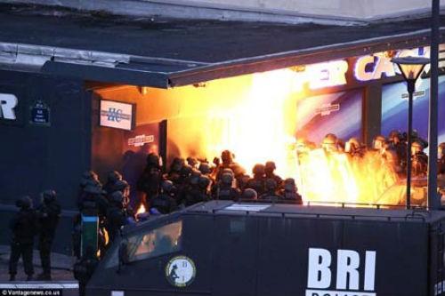 Vụ xả súng tại Pháp: Cái kết xứng đáng cho những kẻ khủng bố liều mạng - anh 8