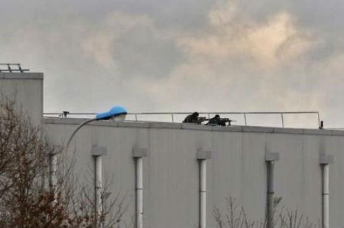 Vụ xả súng tại Pháp: Cái kết xứng đáng cho những kẻ khủng bố liều mạng - anh 5
