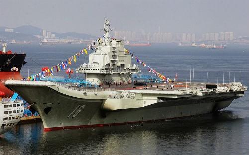Top 10 hàng không mẫu hạm và tàu khu trục 'đáng sợ' nhất thế giới - anh 5