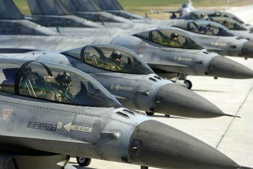 Máy bay quân sự NATO rơi, 31 người thương vong - anh 2