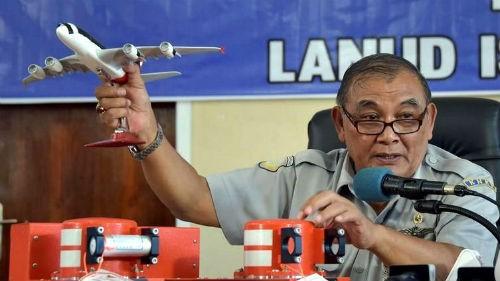 Tin mới nhất về máy bay AirAsia QZ8501: Hộp đen làm sáng tỏ diễn biến cuối cùng của máy bay - anh 2