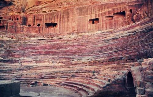 Khám phá 'Thành phố hoa hồng đỏ' Petra – Viên ngọc của Jordan - anh 7
