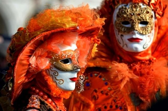 Những lễ hội mùa xuân rực rỡ trên thế giới - anh 2