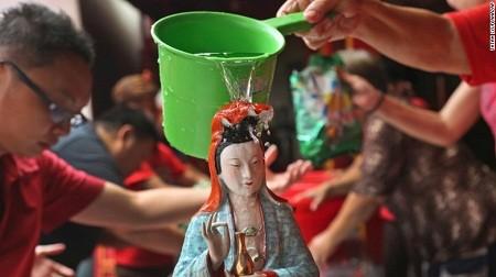 Háo hức đón chờ thời khắc Giao thừa tại các nước châu Á năm 2015 - anh 5