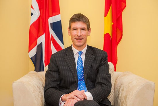 Đại sứ nước ngoài tại Việt Nam chúc Tết dịp Xuân Ất Mùi 2015 - anh 1