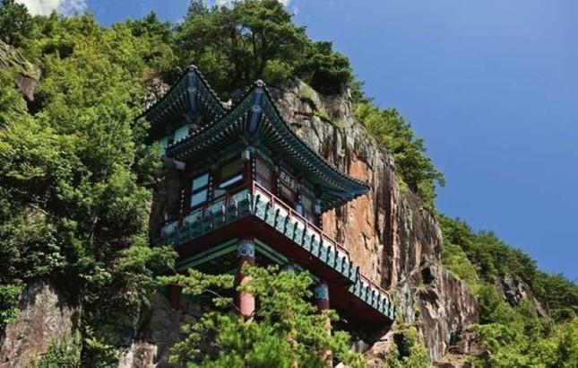 Vẻ đẹp xốn xang của 11 ngôi chùa nổi tiếng nhất xứ Kim Chi - anh 10