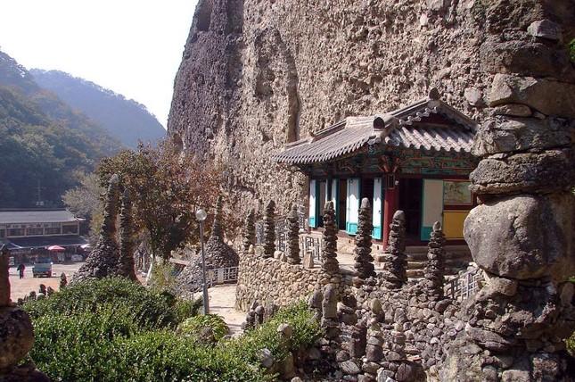 Vẻ đẹp xốn xang của 11 ngôi chùa nổi tiếng nhất xứ Kim Chi - anh 11