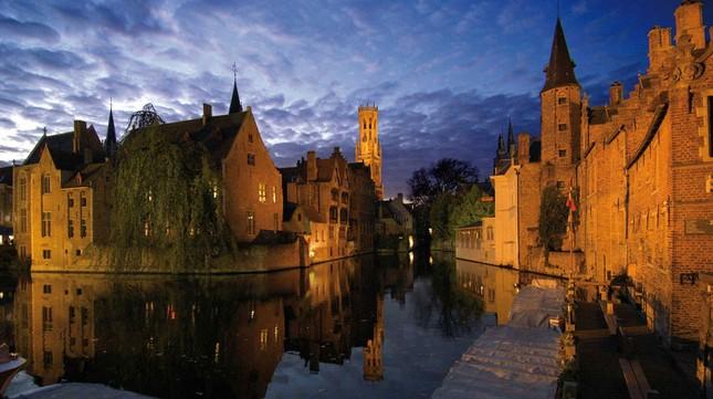 Vẻ đẹp 'nghiêng thành' của Bruges – Miền xứ sở ngọt ngào nhất thế giới - anh 4