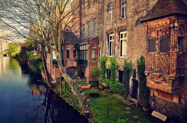 Vẻ đẹp 'nghiêng thành' của Bruges – Miền xứ sở ngọt ngào nhất thế giới - anh 6