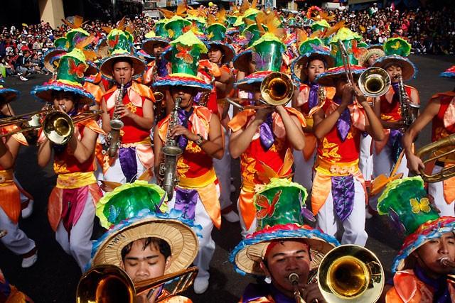 Ngắm Philippines đầy màu sắc trong lễ hội hoa xuân Panagbenga - anh 2