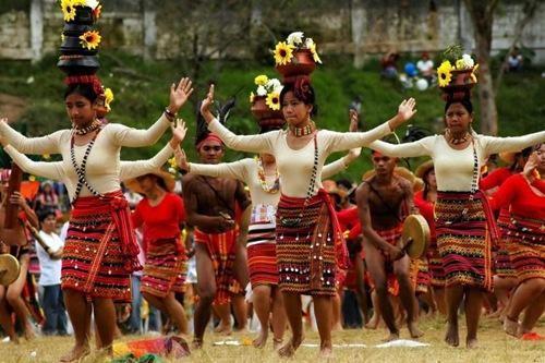 Ngắm Philippines đầy màu sắc trong lễ hội hoa xuân Panagbenga - anh 3