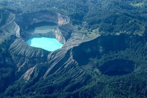 Vẻ đẹp thiên đường của những hồ núi lửa trên Trái đất - anh 11