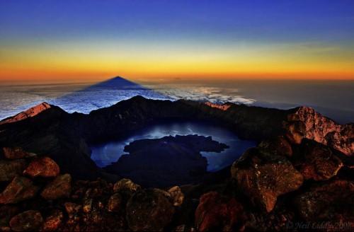 Vẻ đẹp thiên đường của những hồ núi lửa trên Trái đất - anh 15