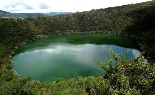 Vẻ đẹp thiên đường của những hồ núi lửa trên Trái đất - anh 18