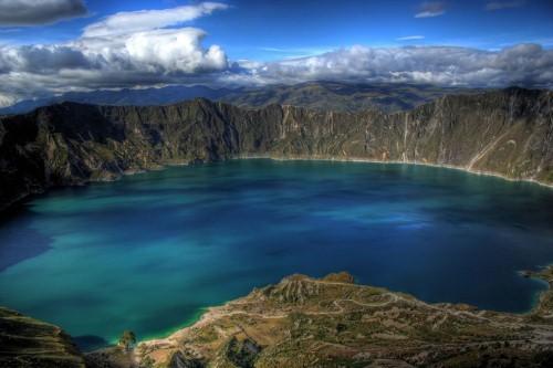 Vẻ đẹp thiên đường của những hồ núi lửa trên Trái đất - anh 2