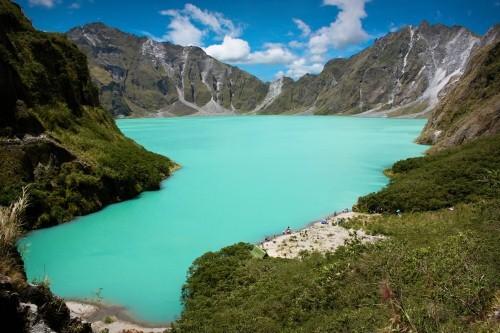 Vẻ đẹp thiên đường của những hồ núi lửa trên Trái đất - anh 3