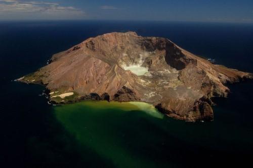 Vẻ đẹp thiên đường của những hồ núi lửa trên Trái đất - anh 8