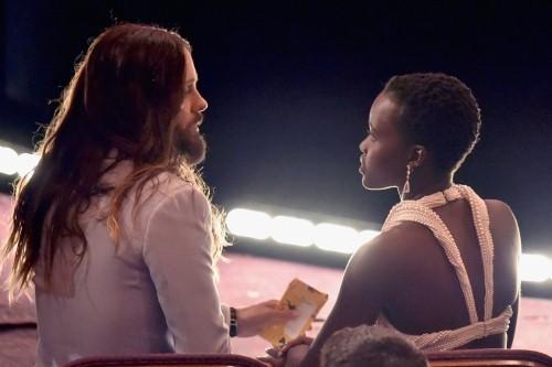 Những khoảnh khắc ấn tượng nhất tại Lễ trao giải Oscar 2015 - anh 16