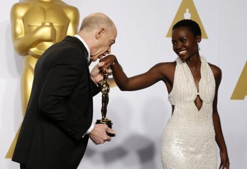 Những khoảnh khắc ấn tượng nhất tại Lễ trao giải Oscar 2015 - anh 1