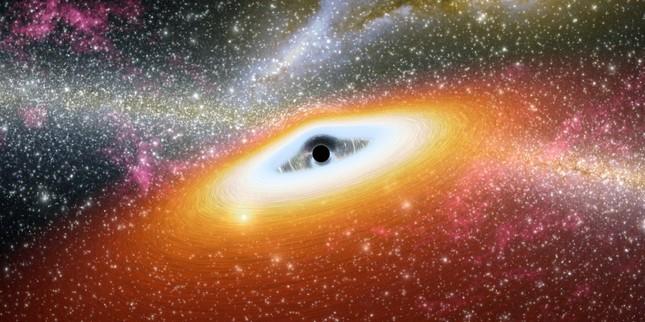 Phát hiện 'siêu lỗ đen', lớn gấp 12 tỷ lần so với Mặt Trời - anh 1