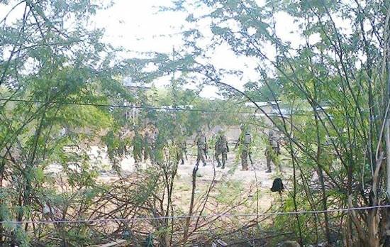 Khủng bố tấn công trường đại học, 32 người thương vong - anh 3