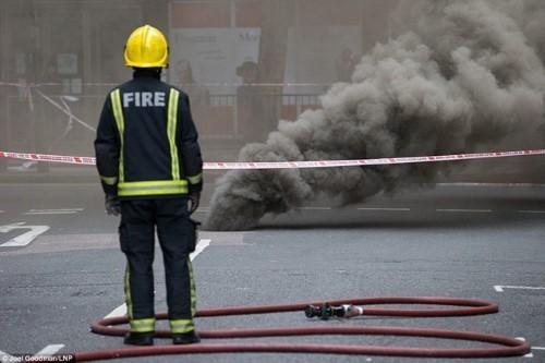 Anh: Hỏa hoạn ở trung tâm London, 2.000 người sơ tán - anh 11