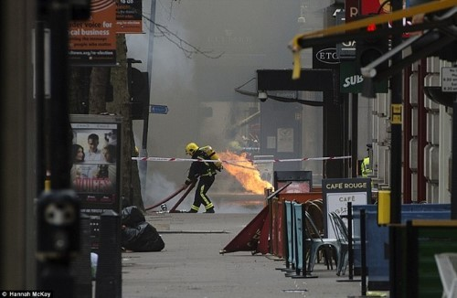 Anh: Hỏa hoạn ở trung tâm London, 2.000 người sơ tán - anh 6