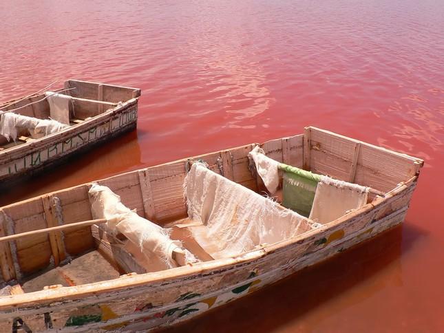 Ngắm 10 hồ nước màu hồng tuyệt đẹp trên thế giới - anh 9