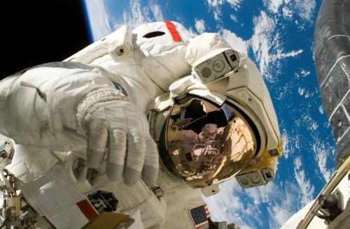 Những biến đổi cơ thể của phi hành gia khi sống trong vũ trụ - anh 4