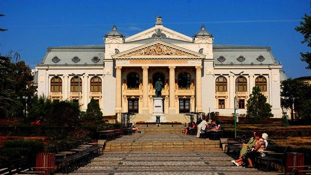 Vẻ đẹp hoàng gia của 7 nhà hát lớn trên thế giới - anh 5