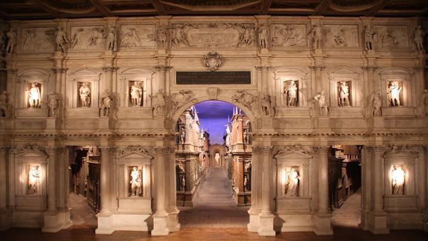 Vẻ đẹp hoàng gia của 7 nhà hát lớn trên thế giới - anh 6