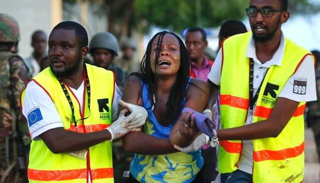 Tổng thống Obama sẽ thăm Kenya sau vụ khủng bố sát hại 147 người - anh 2