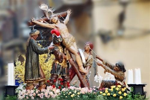 Những tục lệ đón lễ Phục sinh độc đáo trên thế giới - anh 1