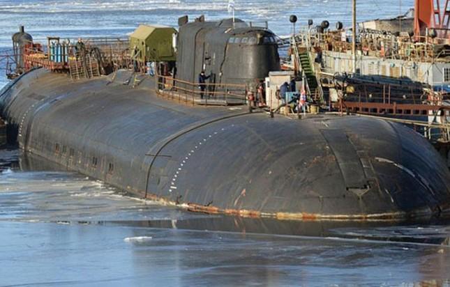 Tàu ngầm tấn công số 1 thế giới của Nga bốc cháy dữ dội - anh 2