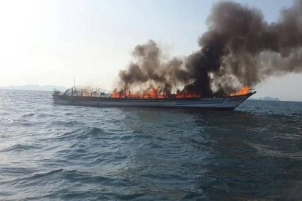 Cháy lớn trên tàu du lịch chở 100 người, bé gái chết thảm? - anh 2