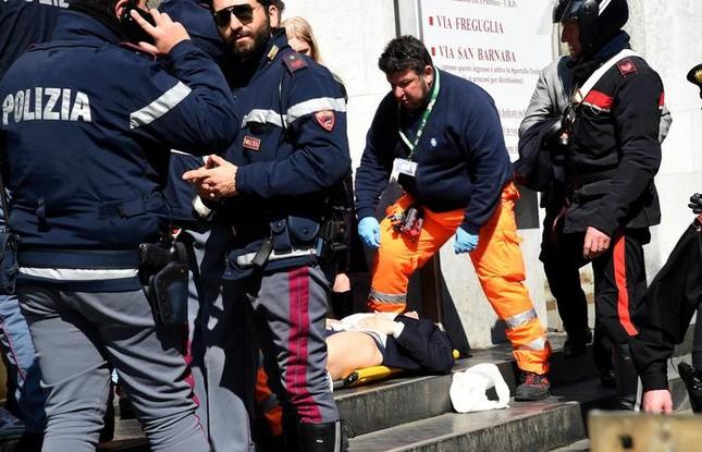 Italy sẽ điều tra đến cùng vụ bị cáo rút súng giết thẩm phán - anh 2