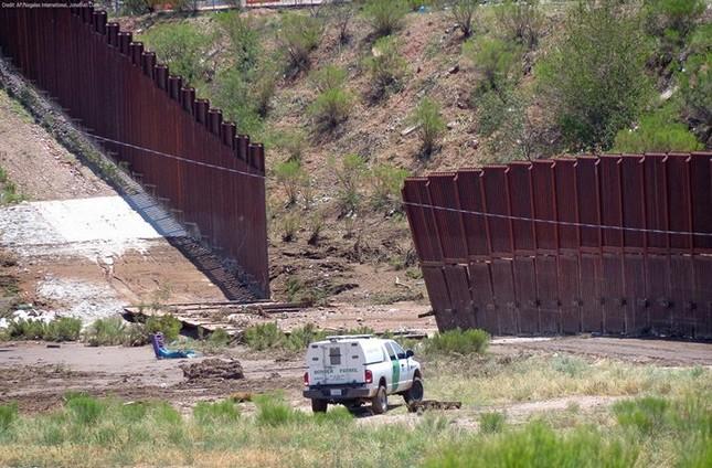 IS cấu kết với băng đảng Mexico, lập hang ổ sát nách Mỹ - anh 2