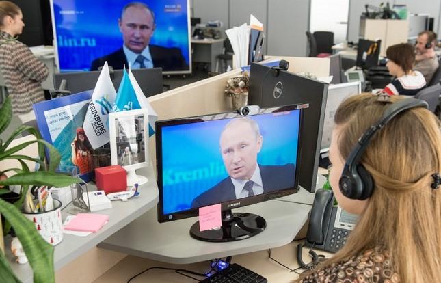 Tổng thống Putin: Lệnh trừng phạt Nga của phương Tây hoàn toàn vô nghĩa - anh 1